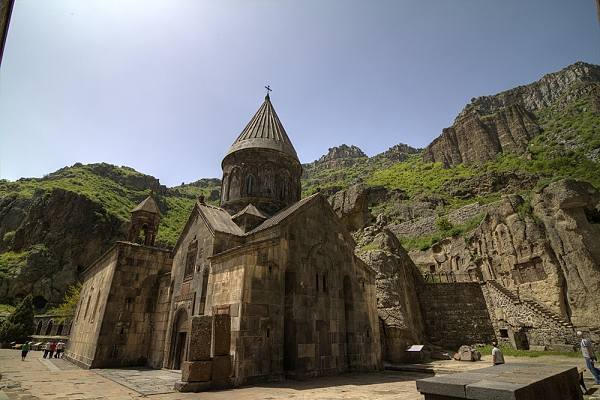 In the footsteps of Armenian history
